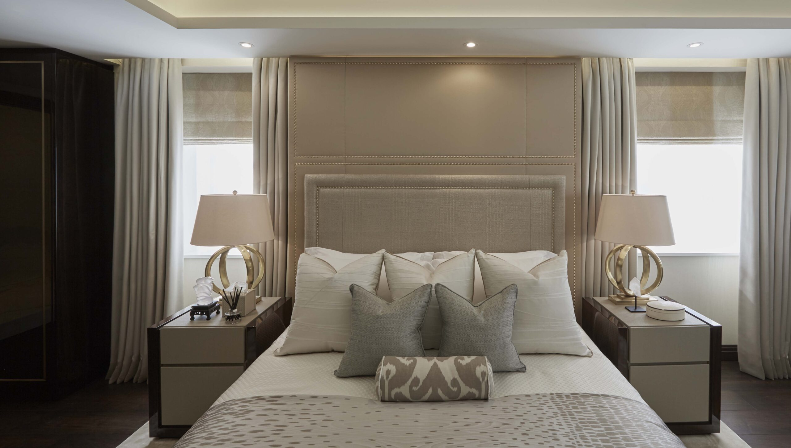 Bedroom in Hyde Park luxury interior design project