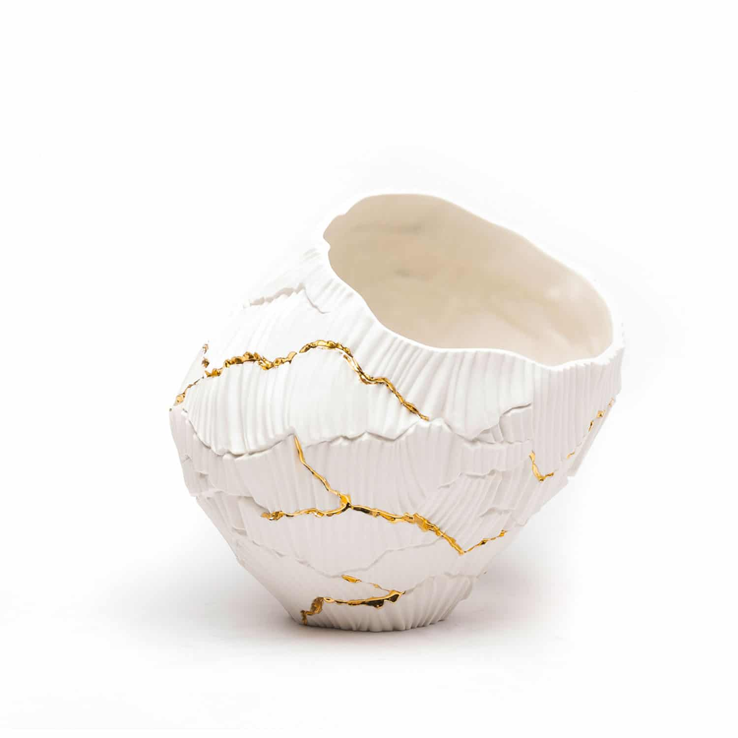 Luxury gold and porcelain deocrative bowl